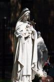 Het maagdelijke standbeeld van Mary Royalty-vrije Stock Afbeeldingen