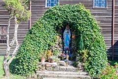 Het maagdelijke standbeeld van Mary in vroeger klooster Inmaculada Concepcion in Ancud, Chiloe-eiland, Chil royalty-vrije stock foto's