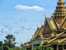 Het Maanlichtpaviljoen bij het Koninklijke Complex in Phnom Penh Kambodja wordt gevestigd dat Royalty-vrije Stock Afbeeldingen