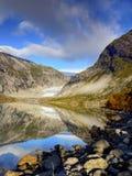 Het magische Meer van de Gletsjervallei stock afbeeldingen