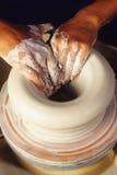 Het maken van aardewerk Stock Foto's