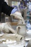 Het maken van aardewerk Royalty-vrije Stock Afbeeldingen