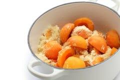 Het maken van abrikozenjam Royalty-vrije Stock Foto