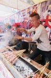 Het maken van barbecue Royalty-vrije Stock Fotografie