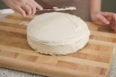 Het maken van cake Stock Foto's