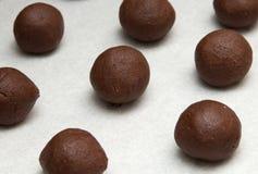 Het maken van chocoladekoekjes Stock Foto's