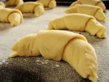 Het maken van croissant Royalty-vrije Stock Afbeeldingen