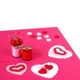Het maken van de Kaarten van de Valentijnskaart stock afbeelding