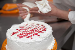 Het maken van een cake Royalty-vrije Stock Afbeelding