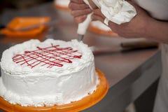 Het maken van een cake Royalty-vrije Stock Fotografie