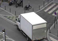 Het maken van een levering in Parijs Stock Foto
