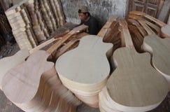 Het maken van gitaar Royalty-vrije Stock Foto's