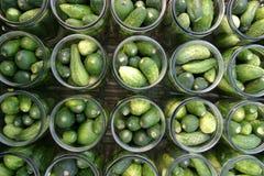 Het maken van groenten in het zuur Stock Afbeelding