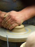 Het maken van het aardewerk Stock Afbeeldingen