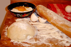Het maken van het gebakje Stock Afbeelding