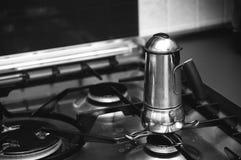 Het maken van Italiaanse koffie Royalty-vrije Stock Foto