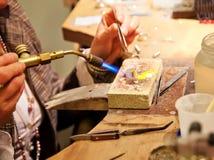 Het maken van juwelen Stock Foto