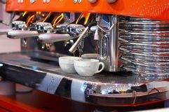 Het maken van koffie   Royalty-vrije Stock Foto's