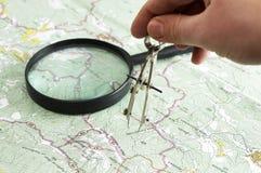 Het maken van metingen op de kaart Stock Foto