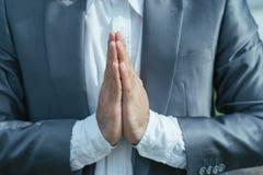 Het maken van Namaste-gebaar Royalty-vrije Stock Foto's