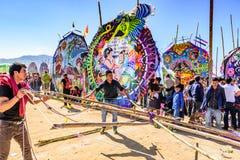 Het maken van vlieger, Reuzevliegerfestival, de Dag van Alle Heiligen, Guatemala Royalty-vrije Stock Fotografie