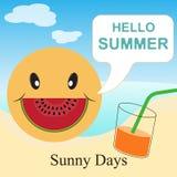 Het malplaatje van de de zomervakantie met strand, overzees, toebehoren, drank en glimlachwatermeloen Stock Illustratie