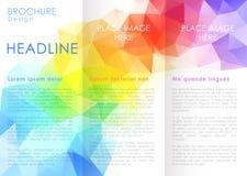 Het malplaatje van het brochureontwerp met driehoekige achtergronden Stock Fotografie