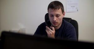 Het manager in bureau stock footage