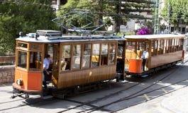 Het manoeuvreren van een oude tram - RUW formaat Royalty-vrije Stock Afbeeldingen
