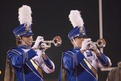 Het marcheren van de middelbare school band Stock Afbeelding