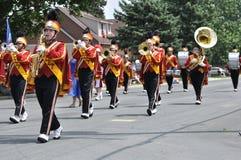 Het Marcheren van de Middelbare school van Henry Sibley het Presteren van de Band Stock Foto's