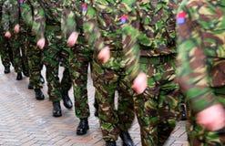 Het marcheren van militairen. Stock Fotografie