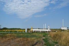 Het materiaal in de olievelden stock fotografie
