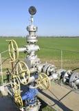 Het materiaal en de technologieën op olievelden Oliebron stock fotografie
