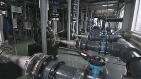 Het Materiaal van de gasraffinaderij met de Meters van het Pijpensysteem stock video