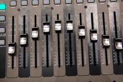 Het materiaal van de opnamestudio Professionele audio het mengen zich console Royalty-vrije Stock Fotografie