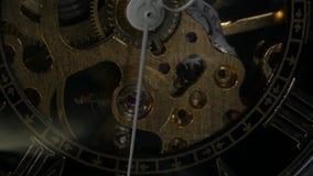 Het mechanisme van het horloge Sluit omhoog stock footage