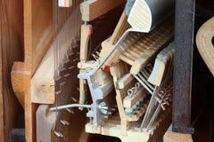 Het mechanismehamer van de piano - koord, spelden en hamers royalty-vrije stock foto's