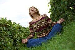 Het mediteren van de vrouw Royalty-vrije Stock Afbeeldingen