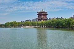 Het meer binnen van Tang Paradise in Xian Stock Foto's