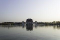 Het meer is een spiegel Royalty-vrije Stock Foto