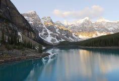 Het meer en de bergen van de morene Royalty-vrije Stock Afbeeldingen