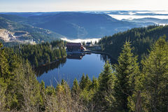 Het meer Mummelsee in Seebach royalty-vrije stock fotografie