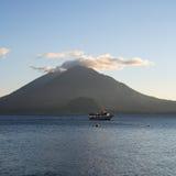 Het Meer van Atitlán, Guatemala Stock Foto's