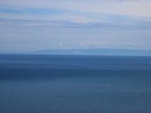 Het meer van Baikal, Rusland Open plekken Mening van de berg Het meer Baikal is het diepste meer in de Wereld Stock Afbeeldingen