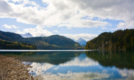 Het meer van bergen Royalty-vrije Stock Fotografie