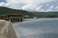 Het meer van Bracciano, Lazio, Italië Stock Foto