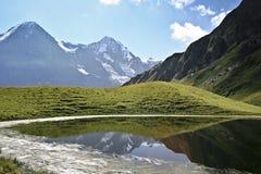 Het meer van de berg royalty-vrije stock foto's