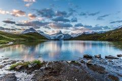 Het meer van de berg in de Ochtend Royalty-vrije Stock Foto's