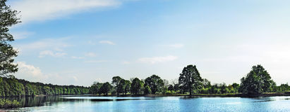 Het meer van de lente Royalty-vrije Stock Foto's